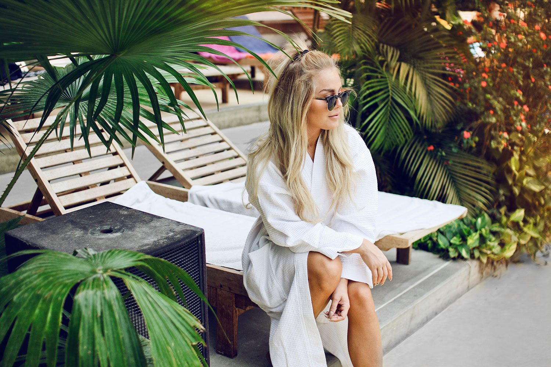 wardrobe & palmtrees