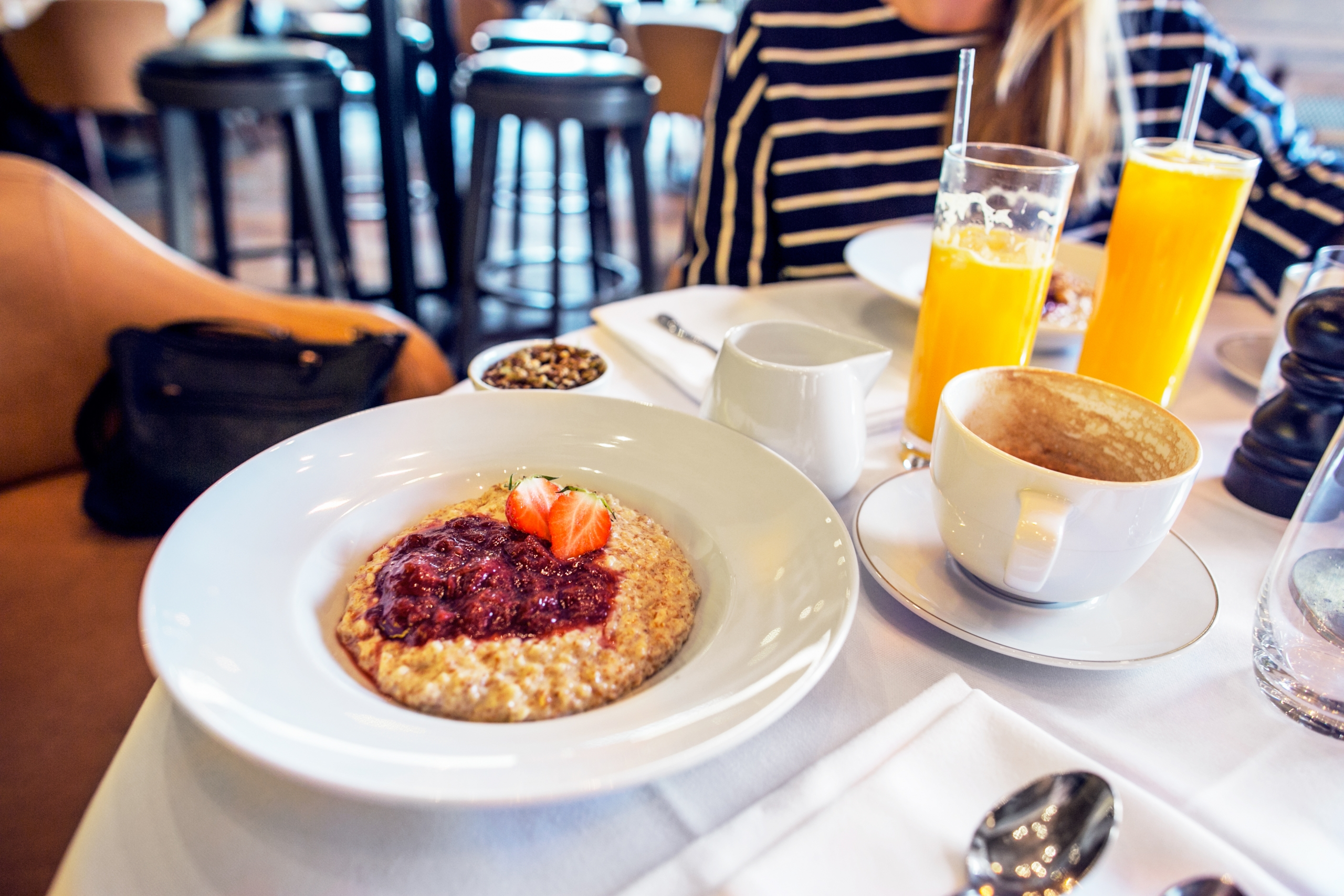 breakfast_meeting1
