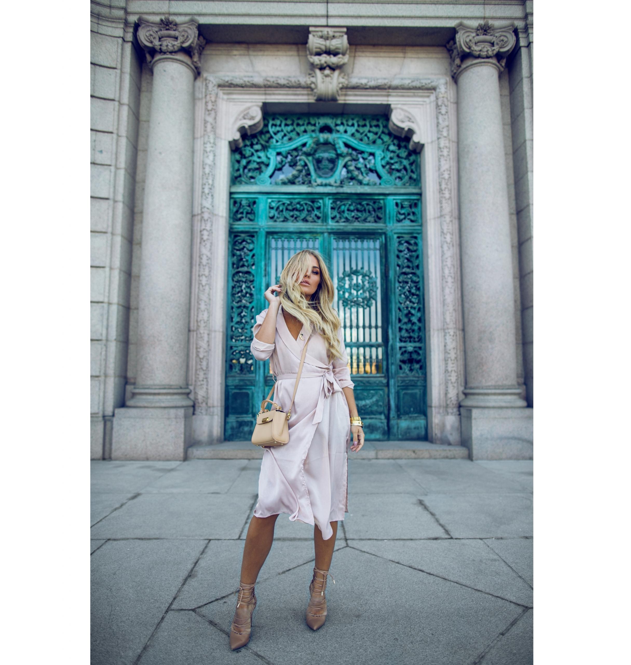 pinkdress_angelicablick11