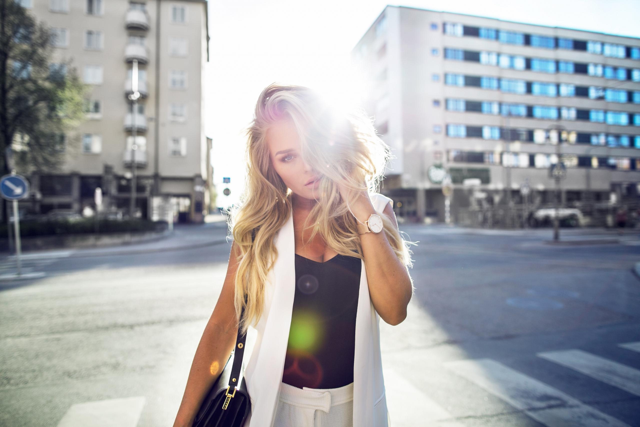 whitelight_angelicablick5