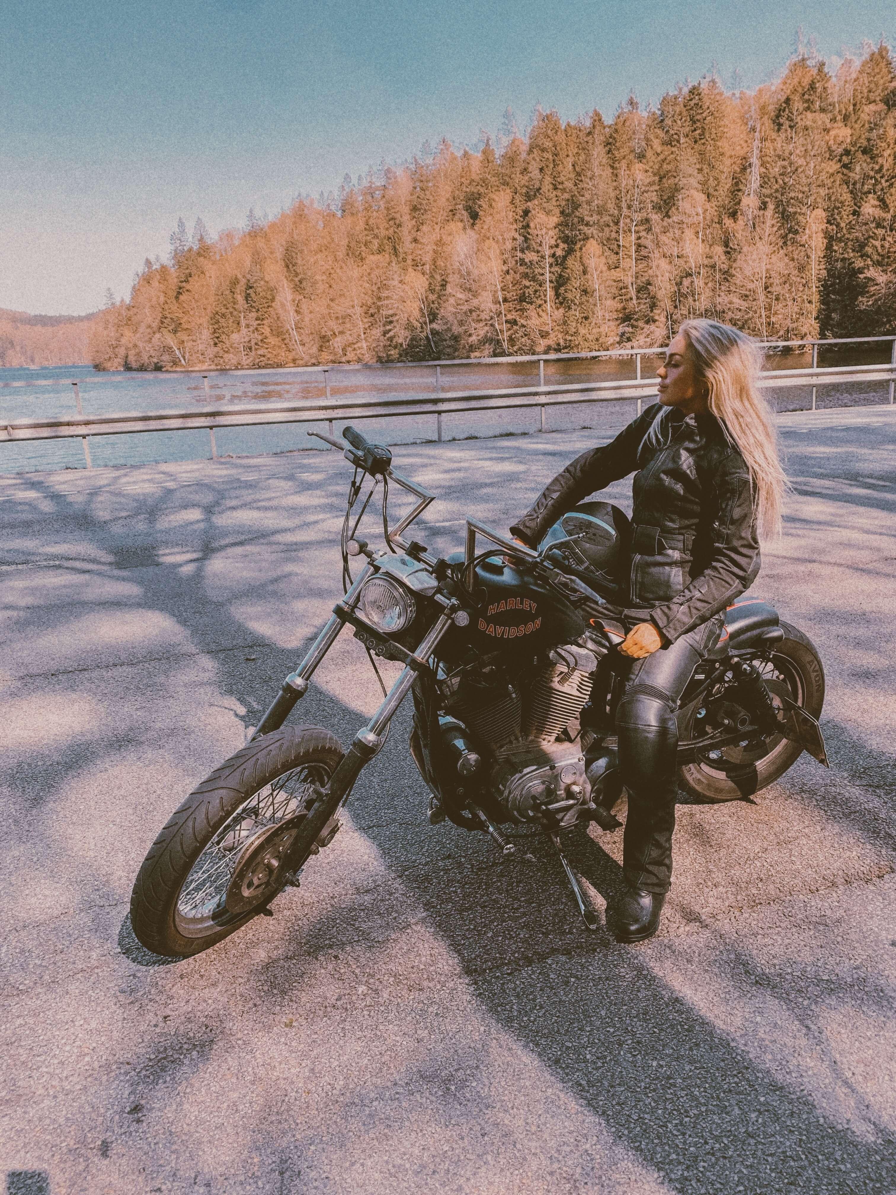 Angelica blick motorcykel